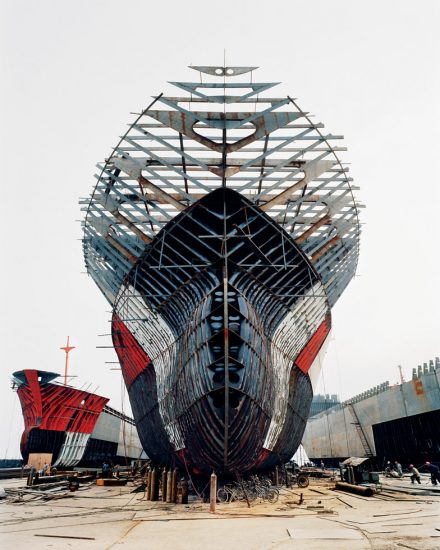Edward Burtynsky, Shipyard #11, Qili Port, Zhejian Province, China