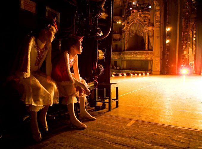 Rachel Papo, Yana and Yulia Backstage