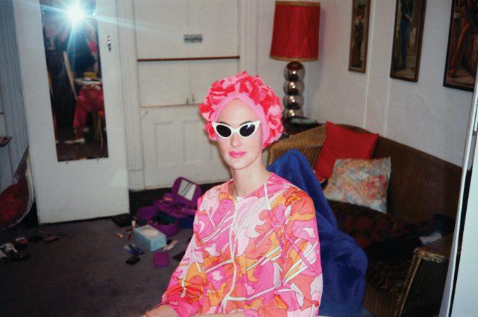 Les Simpson/Linda Simpson, In Linda's Apartment