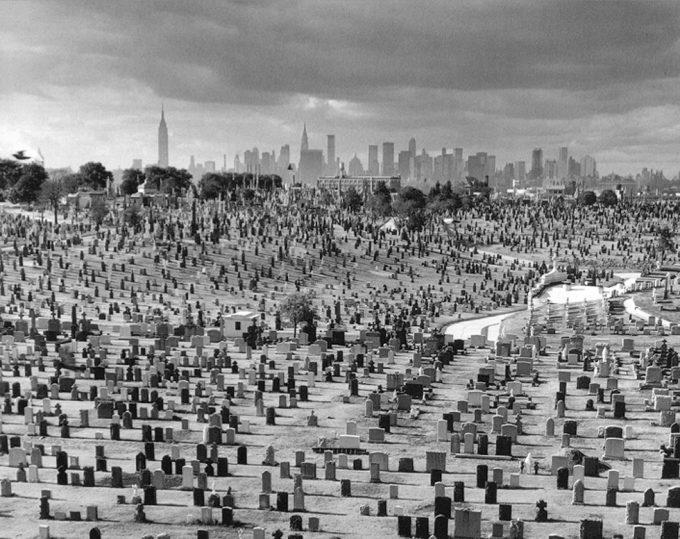 Arthur Tress, Cemetery view