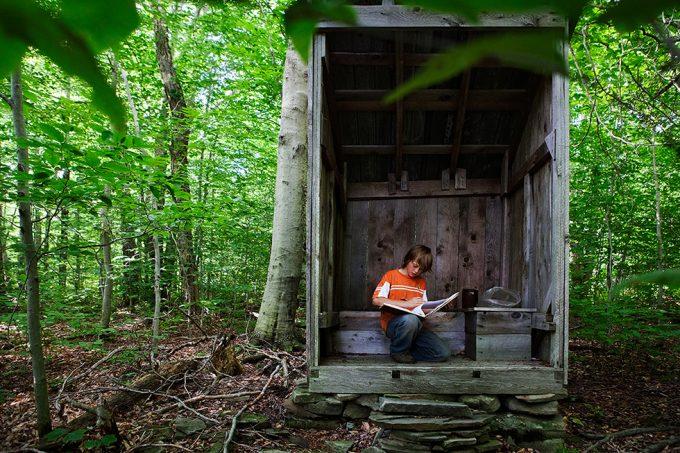 Rachel Papo, Roan Outhouse